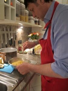 Cooking with Giuseppe - Frittata di Maccheroni alla Napoletana