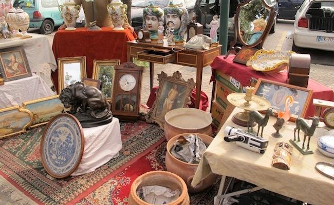 Naples Antiques Market