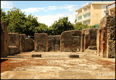 Archaeological Thermal Bath Complex at Via Terracina - The Vestibule