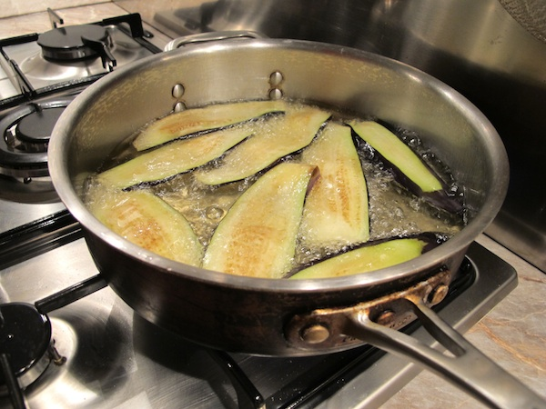 Parmigiana di Melanzane - Frying the Egglplant