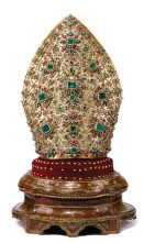 The Treasure of San Gennaro returns – legendary jewelled mitre on display
