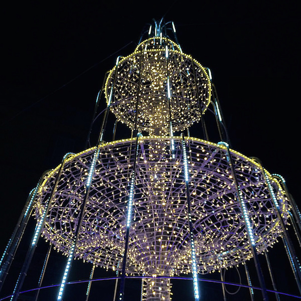 XmasLights2015_MartiriFountain